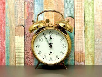 Jugendschutzgesetz Ausgehzeiten - Wie lange darf ich abends draußen bleiben?
