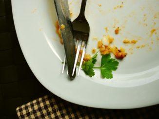 das Kind schlecht isst - Kind isst zu wenig