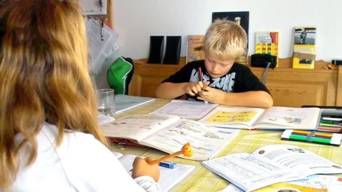 Dem Kind in der Schule helfen
