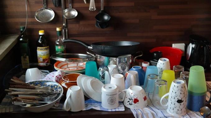 Was ist umweltfreundlicher – Spülmaschine oder Handspülen?