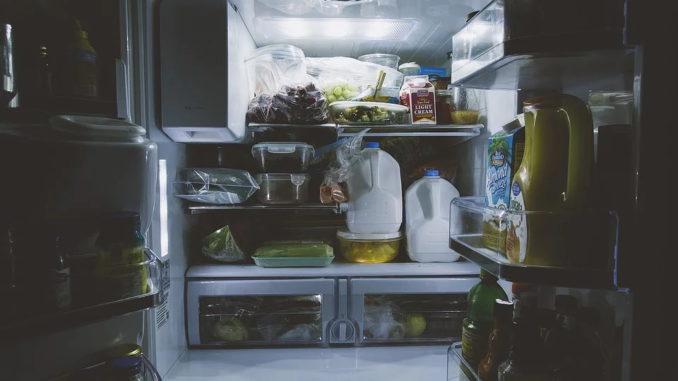 Omas Tipps & Tricks um Lebensmittel länger frisch zu halten