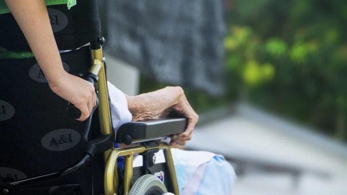 Die Pflegeversicherung: Staatliche Hilfe im Pflegefall