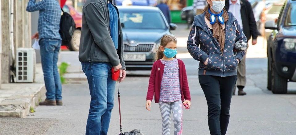Corona: Schutzmasken kaufen - darauf sollten Sie und die Kinder beim Mund-Nasen-Schutz achten