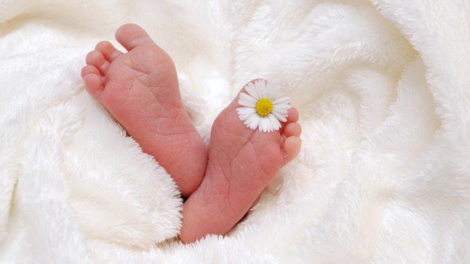 gesunde Babykleidung