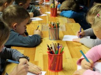 Was kostet ein Kindergartenplatz / KITA Platz in Deutschland?