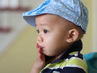 So erkennst Du Sodbrennen bei Kindern und kannst helfen
