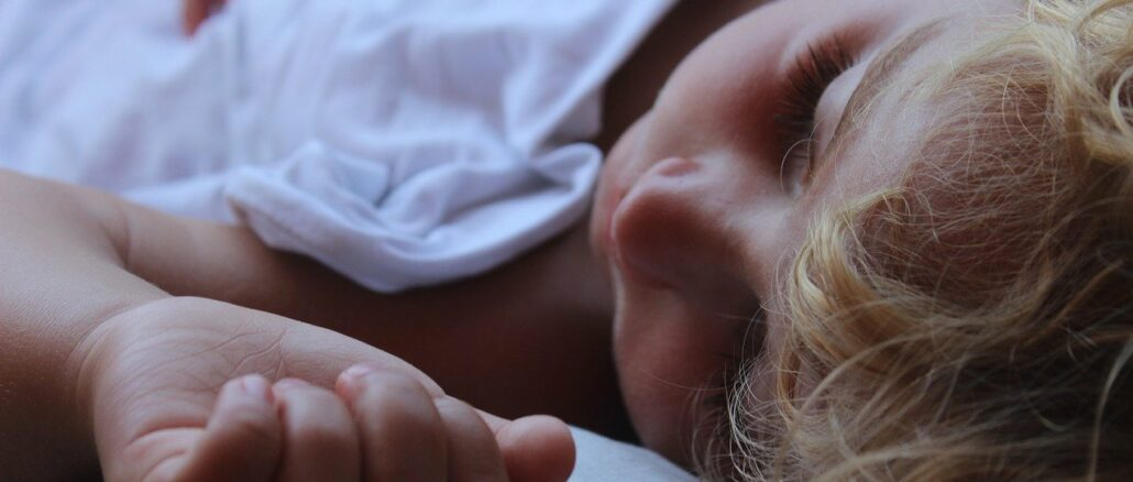 Das richtige Bett für gesunden Kinderschlaf