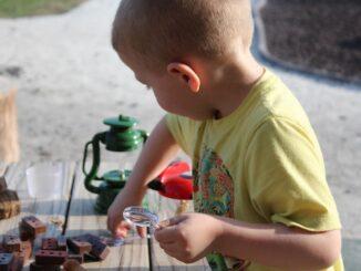3 geniale Spielzeuge, um deinen Kind Naturwissenschaften näher zu bringen