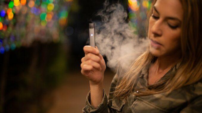 Raucher: E Zigarette als Zwischenstopp zum Nichtraucher