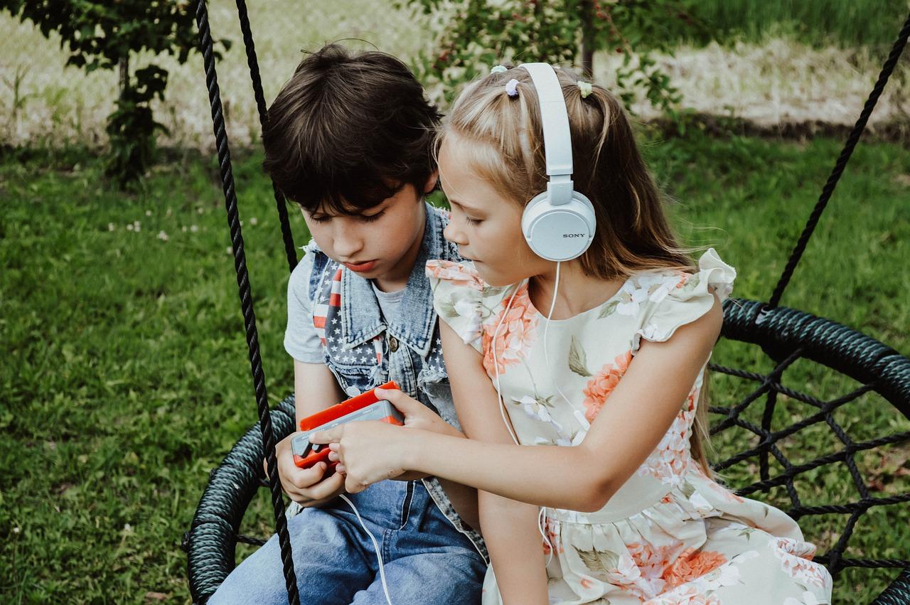 Kinder und der Garten