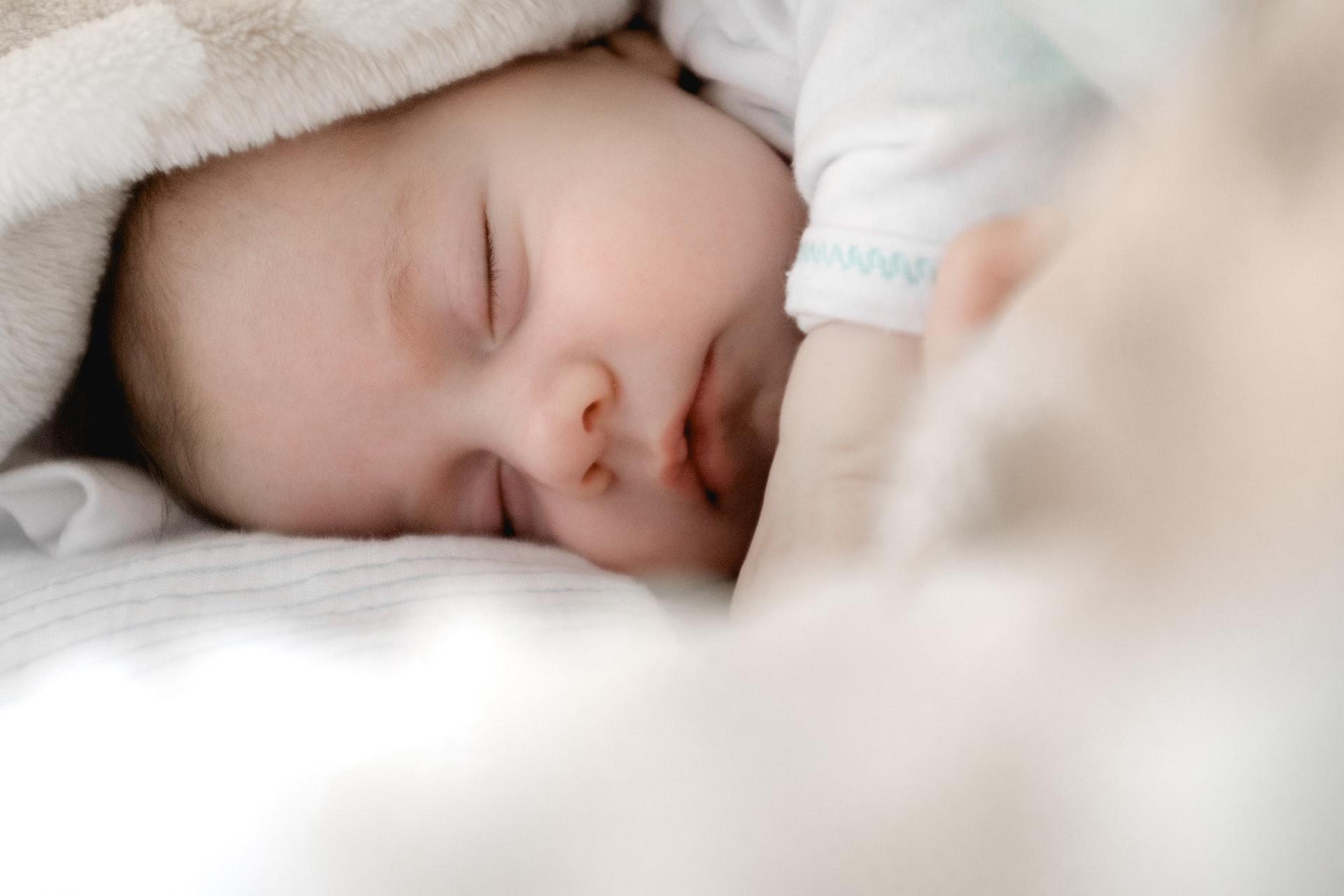 Babys im Elternbett