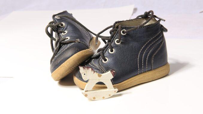 Kinder und Schuhe - hilfreicher Ratgeber für Eltern