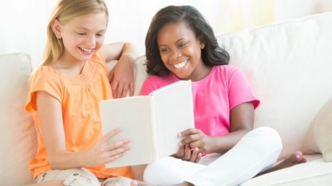 Freundebuch: Was ist das? Und ab wann sollte mein Kind eins haben?